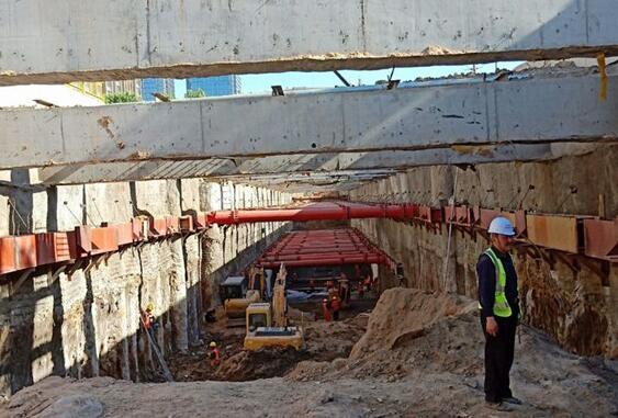 天津地铁专用钢管柱施工